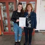 """Елена Кенарова - 11.а клас, класирана на Националната олимпиада по Гражданско образование с проекта """"Стъпка напред"""" - 8 май 2021 година"""