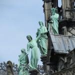 На покрива на Парижката Св. Богородица